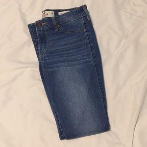 hollister low rise medium wash jean leggings